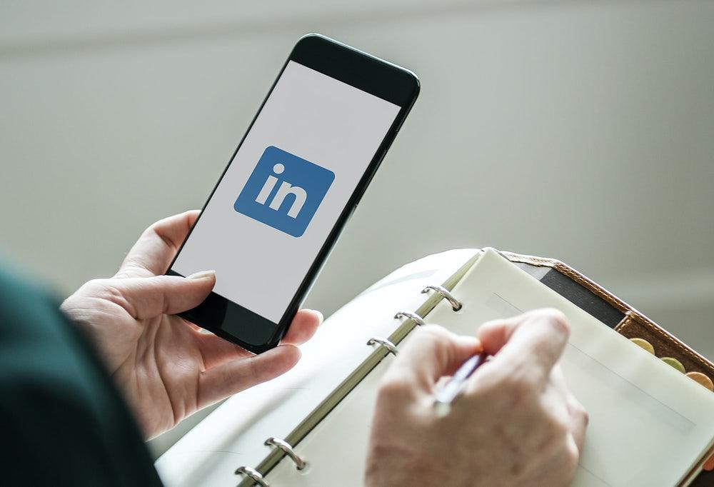 Read more about the article Passo a passo para criar uma recomendação no LinkedIn!